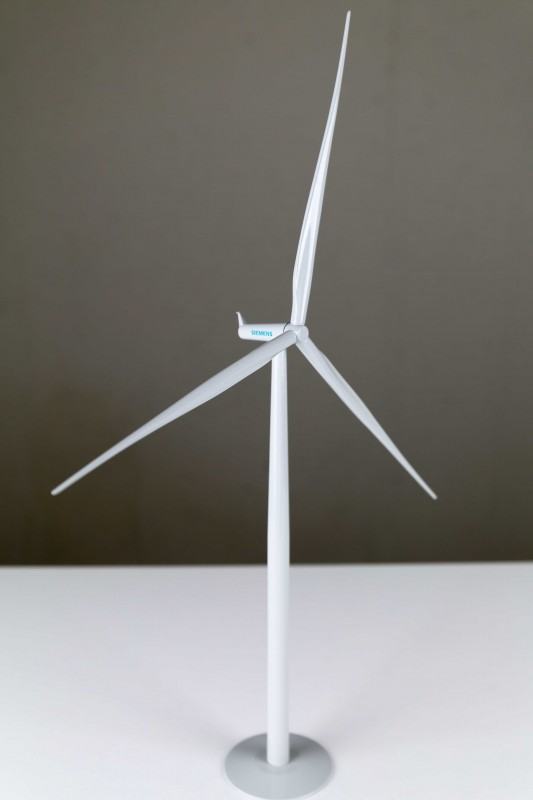 Siemens Wind Power A/S / SWT-2.3-93 / G2 Plattform / 2.3 MW wind turbine generator desk top model